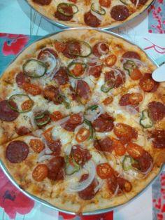 Pizza de peperoni e tomate cereja!