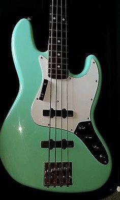 Gorgeous 2003 Fender Jazz bass Custom in Vintage Seafoam Green