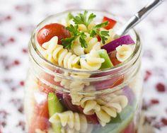 Easy Pasta Salad in a Jar Recipe