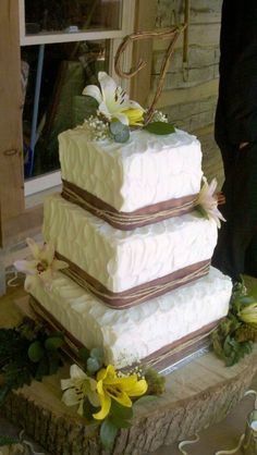 Rustic Wedding Cake .....someday I want to make beautiful creations like this! | The Tres Chic