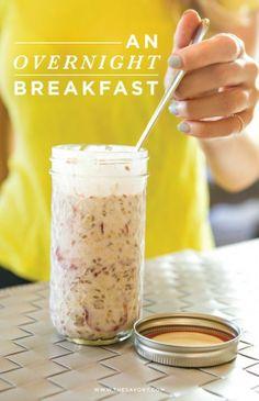 Have An Instant Breakfast: Overnight Muesli With Strawberries & Greek Yogurt #recipes