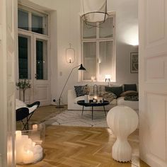 Home Interior Living Room .Home Interior Living Room French Interior Design, Aesthetic Room Decor, My New Room, House Rooms, Home Decor Inspiration, Decor Ideas, Style Inspiration, Home And Living, Modern Living