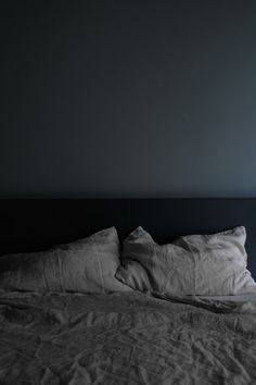 sensuous greys - barcelona apartment by INTSIGHT