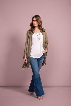 Bohemian fringe jacket   Flared jeans   Fashion   Plussize fashion   Jasje met franjes   Lange blazer   Spijkerbroek