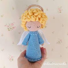 Crochet Skull Patterns, Crochet Patterns Amigurumi, Amigurumi Doll, Crochet Pig, Crochet Home, Crochet Crafts, Crochet Christmas Cozy, Christmas Knitting Patterns, Knitted Dolls