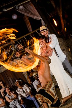 You want a unique experience for your wedding?What a better idea than firedancers 💛 Entertainment, Good Things, Unique, Music, Wedding, Valentines Day Weddings, Musik, Hochzeit, Muziek