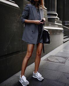 City chic with a sporty twist // running errands in @newbalanceclassics #newbalance574 #greyscale
