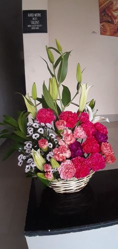 Flower Delivery - Withlovenregards offers fresh flowers cakes and latest gifts across India. Send flowers online from flower shop for your loved ones on same day delivery. Free Shipping in 200+ Cities. Online Flower Delivery, Flower Delivery Service, Same Day Flower Delivery, Fresh Flower Cake, Fresh Flowers, Send Flowers Online, Bouquet Delivery, Online Florist, Amazing Flowers