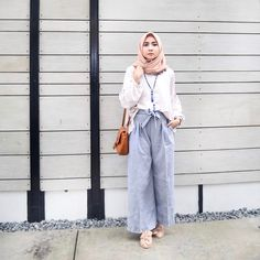 Fashion Hijab Casual Kulot New Ideas Hijab Chic, Casual Hijab Outfit, Casual Outfits, Ootd Hijab, Hijab Fashion Casual, Fashion Muslimah, Look Fashion, Trendy Fashion, Fashion Outfits