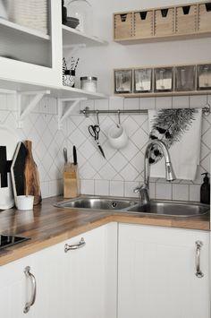 My One Way: kitchen