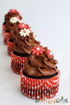 Cupcakes de post cu alune si ciocolata Cupcakes, Muffins, Sweets, Desserts, Handmade, Food, Tailgate Desserts, Cupcake, Muffin