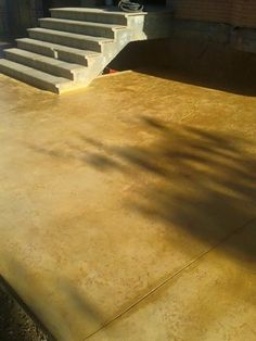 Pavimento de hormig n estampado textura piedra covadonga con ankare zaline negro azabache - Pavimento de corcho ...