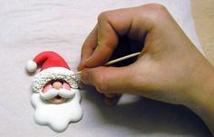 Santa Face Tutorial - perfect for cookie or cupcake toppers.wonder if this would work with clay? Fimo Clay, Polymer Clay Projects, Polymer Clay Creations, Fondant Figures, Cake Decorating Tutorials, Cookie Decorating, Clay Ornaments, Ornament Crafts, Christmas Ornament