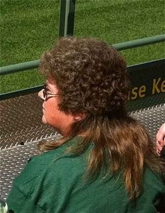 The perfection that is the half perm/half mullet. BAHAHAHAHAHA!!!!