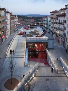 Los estudiosMi5 Arquitectos y PKMN Architecture recuperaron la plaza histórica de Teruel.
