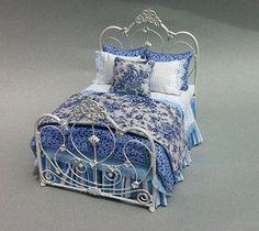 Blue toile bed set