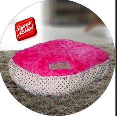 Bekijk dit items in mijn Etsy shop https://www.etsy.com/nl/listing/594184236/hondenkussen-honden-ligplaatsen-honden