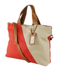 Love this color blocked bag.