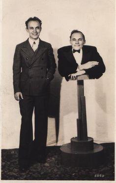 falsestuff:  Johnny Eck  his twin brother, Robert.