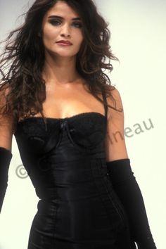 Helena_Christensen_Dolce&Gabbana_ws_1992_011