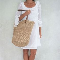 This Natural Tote, in timeless natural, is an endearingly chic warm-weather style made of straw and leather. Finished with a magnetic snap closure, the Beach Tote Bags, Straw Beach Bags, Straw Tote, Look Fashion, Purses And Bags, What To Wear, Style Me, Boho, Leather