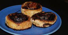 A vacsora az iskolában van olyankor megejtve, legutóbb nem szendvicset készítettem magamnak, hanem sütöttem egy kis kakaós illetve fahéjas csigát