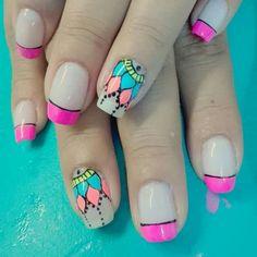 Perfect Nails, Pretty Nails, Nail Art Designs, Acrylic Nails, Nail Polish, Make Up, Glitter, Erika, Triangles