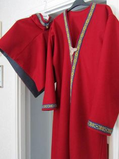 Fit for a queen: viking kaftan and a hood for Queen of Drachenwald.