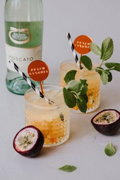 Peach Sangria | HOORAY! | HOORAY! Mag | Cocktails | Drink inspo | cocktail inspo | cocktail recipe | Sketch and Etch | dinner party inspo | peach drinks