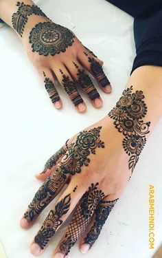 50 Most beautiful Varanasi Mehndi Design (Varanasi Henna Design) that you can apply on your Beautiful Hands and Body in daily life. Pretty Henna Designs, Modern Henna Designs, Latest Henna Designs, Floral Henna Designs, Finger Henna Designs, Modern Mehndi Designs, Henna Art Designs, Mehndi Design Photos, Mehndi Designs For Fingers