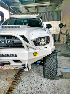 05-15 Tacoma off road fiberglass +2 fenders are a great addition to trucks with lift kits or mid travel kits. Subtle, & just enough to set you apart