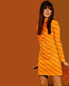 Amazing dress designed by Cathy McGowan in 1967 vintage fashion 70s Inspired Fashion, 60s And 70s Fashion, Mod Fashion, Vintage Fashion, Gothic Fashion, 1990 Style, Style Année 60, Mode Style, Retro Mode
