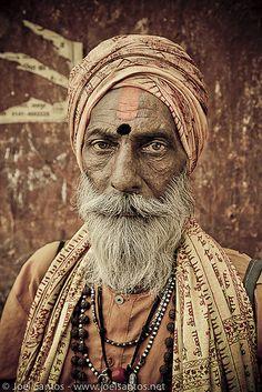 India - by Joel Santos
