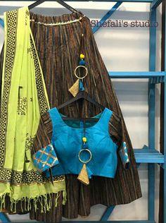 Garba Dress, Navratri Dress, Chaniya Choli Designer, Ghaghra Choli, Girls Dresses Sewing, Choli Designs, Colour Combinations, Half Saree, Bridal Lehenga