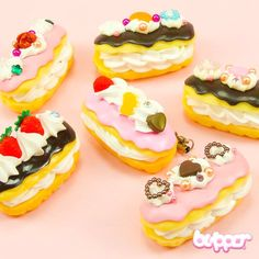 These cute phone charms are designed to look like a real delicious cream puffs! The charms are perfect for cheering up your mobile phone. Just attach the charm to your phone, tablet or bag. The charm includes a removable phone strap, so you can attach it to hang almost anywhere. See the different styles in the product pictures.