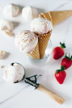 Pin for Later: 17 Homemade Vanilla Ice Cream Recipes That Are the Opposite of Boring Vegan Eton Mess Ice Cream Get the recipe: vegan Eton Mess ice cream