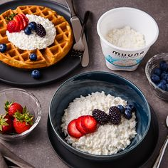 Happy #NationalWaffleWeek! Add a few spoonfuls of ridiculously creamy Muuna cottage cheese on top of your waffles to pump up the protein!