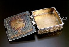 Miniature Box by Sue McNenly   Metal clay jewelry, Clay ...   Metal Clay Boxes