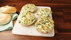 Cheesy Spinach Artichoke Bagels