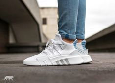 Der womens colorway vom Bask EQT ADV sieht nicht schlecht aus. Kommt um 0 Uhr #adidas #eqt #adidasoriginals #adidaseqt #follow4follow #TagsForLikes #photooftheday #fashion #style #stylish #ootd #outfitoftheday #lookoftheday #fashiongram #shoes #kicks #sneakerheads #solecollector #soleonfire #nicekicks