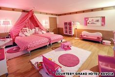 kids room. cute idea for twins or little girls close in age.