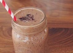 Blueberry, banana and raw cacao paleo smoothie