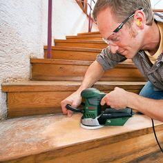 Holztreppe renovieren in 6 Schritten Anleitung schleifen Heimwerker