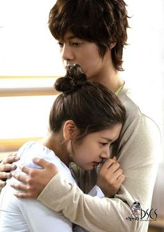 Playful Kiss ♡ Kim Hyun Joong 김현중 ♡ as Baek Seung Jo ♡ Jung So Min as Oh Ha Ni ♡ Kdrama ♡ Kpop ♡ aw sweet ♡ love ♡ Playful Kiss, Boys Before Flowers, Boys Over Flowers, Korean Celebrities, Korean Actors, Korean Dramas, Young Actresses, Actors & Actresses, Live Action