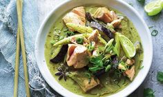 Thai Salmon & Coconut Curry - Joe Wicks Lean in 15 Salmon Recipes, Fish Recipes, Seafood Recipes, Asian Recipes, Cooking Recipes, Healthy Recipes, Recipies, Bodycoach Recipes, Cooking Tips
