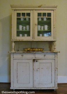 Vintage Hutch by The Sweet Spot Blog http://thesweetspotblog.com/vintage-hutch/ #diy #vintage #hutch #decor