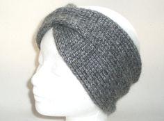 Stirnband TWIST in mittelgrau - 100% Wolle für 100% warme Ohren: Es muss nicht immer Mütze sein, wenn man sich warmhalten will.