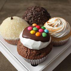#cupcake de cocada cremosa, de brigadeiro, de limão com merengue e de chocolate com marshmallow