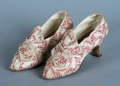 Shoes, 1775, American Colonies, silk. Wadsworth Atheneum Museum of Art, Hartford, CT. Gift of Mrs. T. Stewart Hamilton, 1961.108a,b