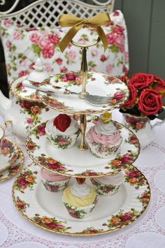 Royal Albert Old Country Roses Vintage Cake Stand cakestandheaven.com